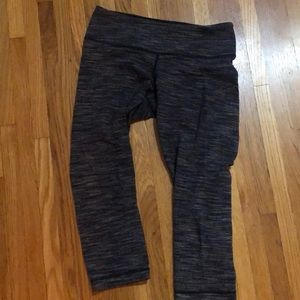 Lululemon wonder under crop (size 8)